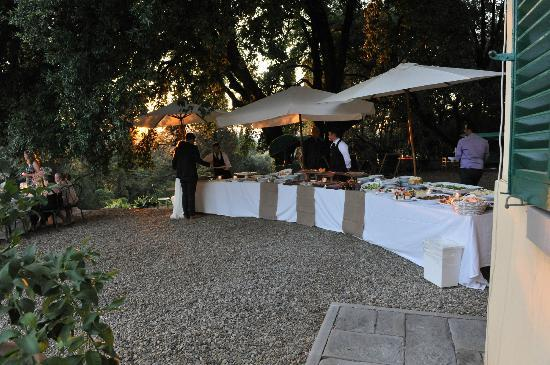 Petrolo: wedding dinner buffet