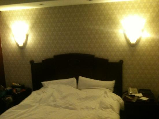 Royal Palace Hotel: double bed