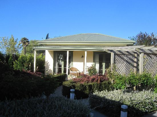 Clive Colonial Cottages: Bellbird Cottage