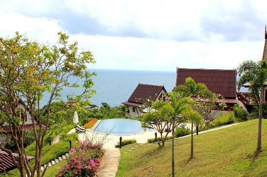 Baan KanTiang See Villa Resort (2 bedroom villas): The pool