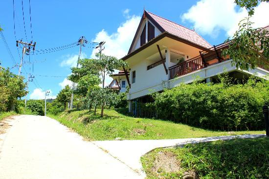 Baan KanTiang See Villa Resort (2 bedroom villas): The Yellow Villa is the first one while we enter