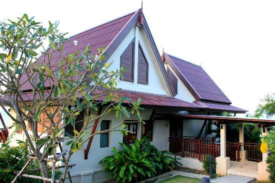 Baan KanTiang See Villa Resort (2 bedroom villas): The entrance to Yellow Villa