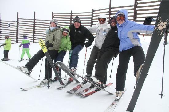 Renmore House: Blair and Rosie with guests at Cardrona Ski Field