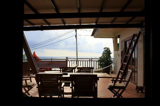 Baan KanTiang See Villa Resort (2 bedroom villas): Another view of the balcony from the bedroom