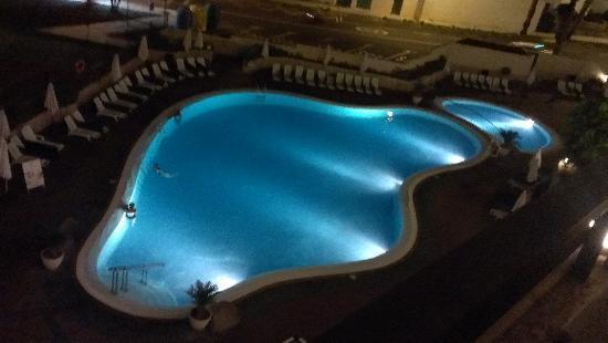 Hotel Ole Tropical: piscina desde mi habitacion