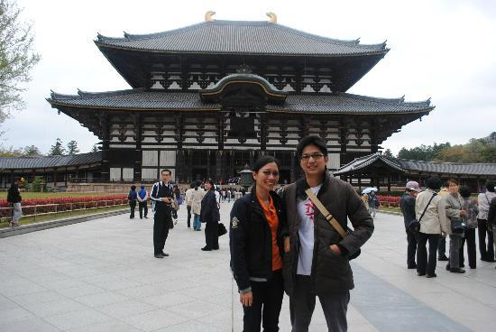 Todai-ji Temple: Take a pic with the Famous Todaiji Temple