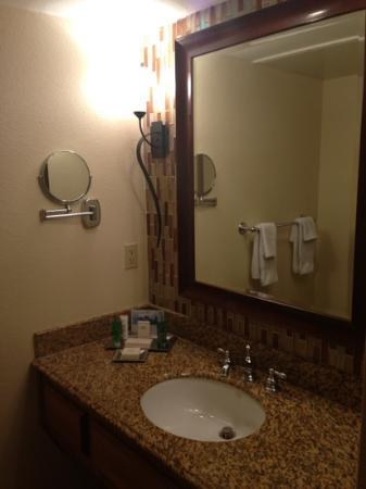‪‪Pointe Hilton Squaw Peak Resort‬: bathroom‬