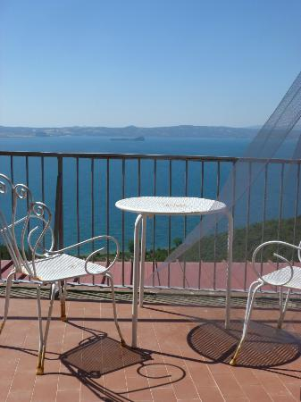 Il Caminetto Resort: Balcony