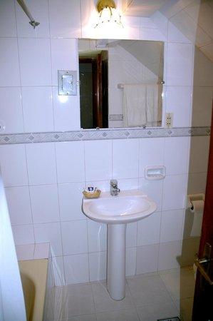 Hotel Independencia:                                                       salle de bain