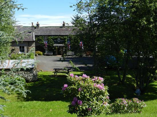 Pheasant Inn Restaurant: Lovely setting