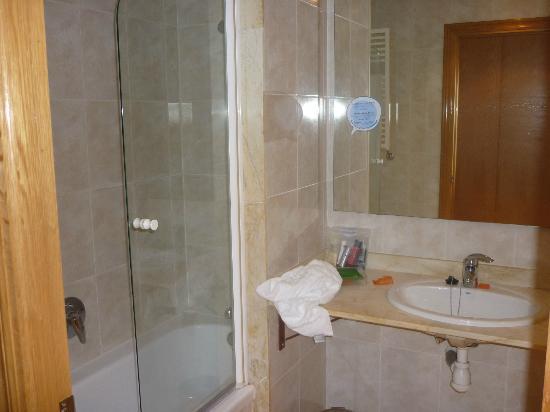 Hesperia Zaragoza: Bagno della camera 501