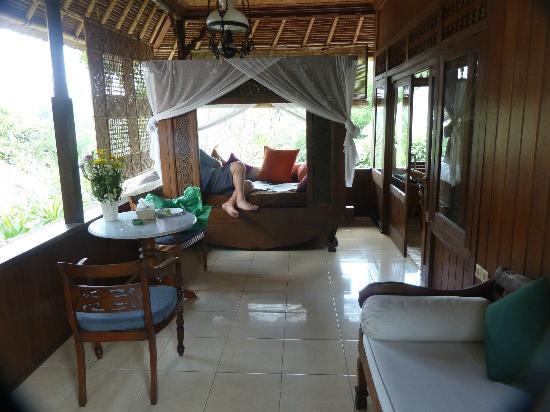 Alam Indah: Balcony
