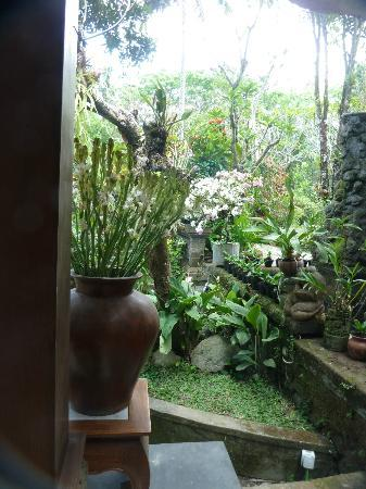 Alam Indah: Towards the garden temple
