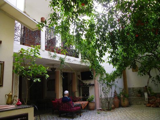 Riad lalla fatima : The dining area, open air