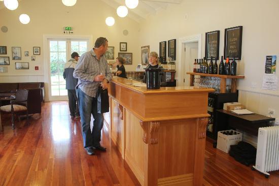เกาะไวเฮเก, นิวซีแลนด์: Wine tasting