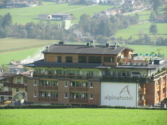 Alpina Zillertal: Hotel von außen