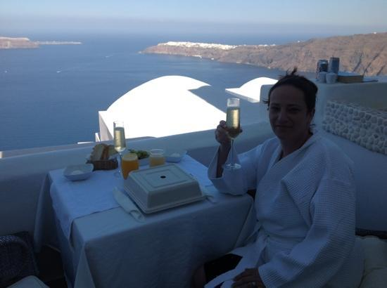 Above Blue Suites: champagne breakfast everyday...tough job but someone had to do it