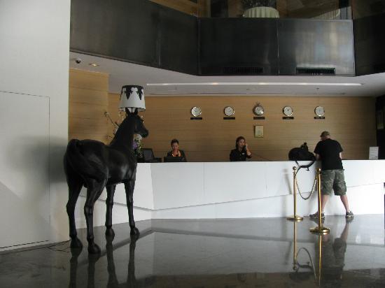 Horizon Hotel: crazy horse