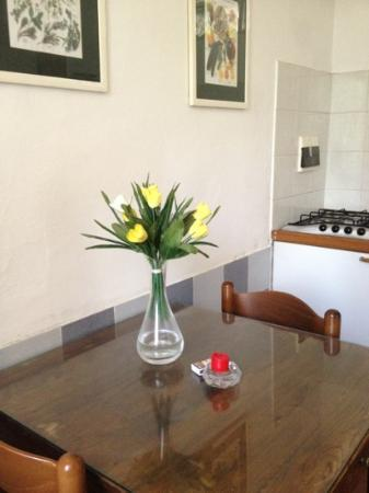 Residence I Colli: dining table