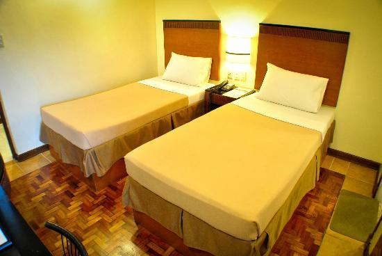 Fersal Hotel Annapolis - Cubao: Deluxe Double