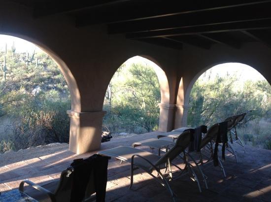 Tanque Verde Ranch: die Terasse unseres Zimmers