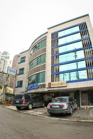 Fersal Hotel Neptune Makati: Fersal Hotel-Makati Facade