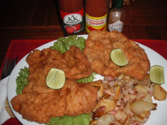 The Crocodile River Bistro: Vienna Schnitzel