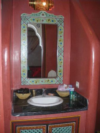 Riad Tamarrakecht : Salle de bain - chambre Bab Ighli