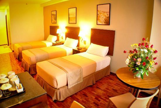 Fersal Hotel - Quezon City: Triple