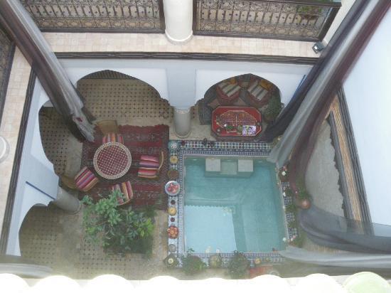 Riad Tamarrakecht : Vue de la terrasse sur le Riad