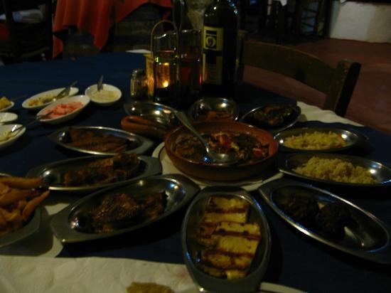 Napa House Restaurant: кипрское мезе - не вкусно!