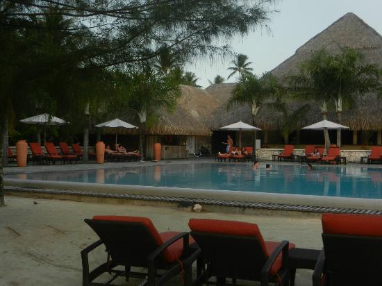 InterContinental Bora Bora Resort & Thalasso Spa: La maravillosa piscina del hotel