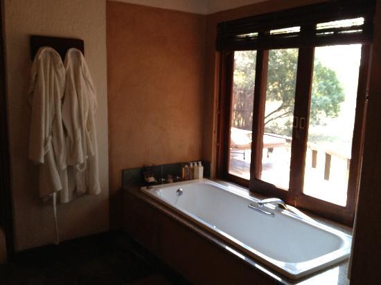 Monwana Game Lodge: bathroom