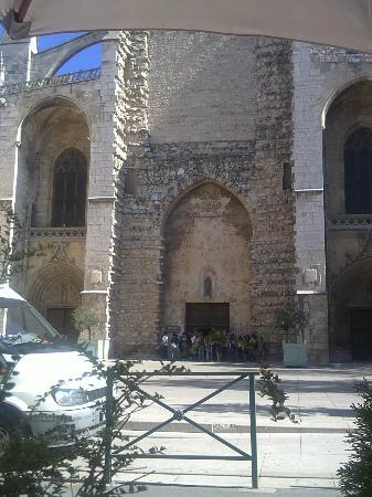 La Table en Provence: Vue sur la Basilique