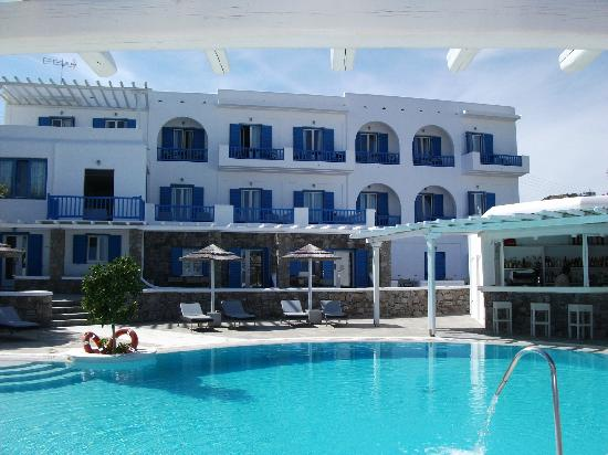 Argo Hotel Mykonos: View from Pool