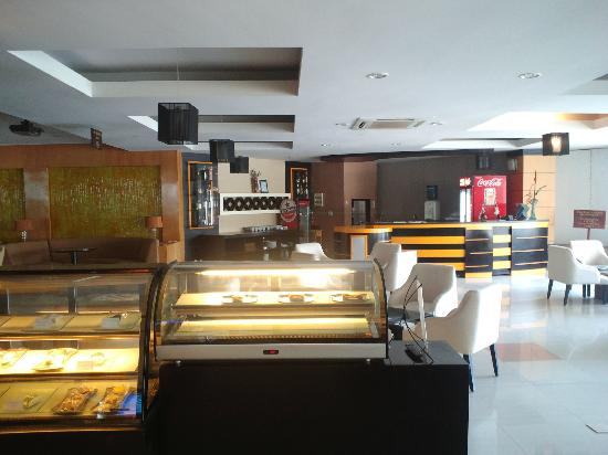Harrads Hotel and Spa Sanur Bali: restaurant