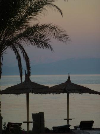 Sea Sun Hotel Dahab: sunset over the beach