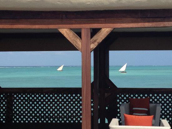 Essque Zalu Zanzibar: overwater restaurant 