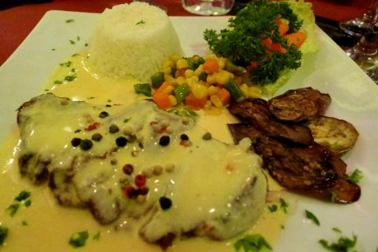 Giuseppe's Italian-Filipino: Peppercorn steak