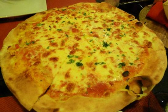 Giuseppe's Italian-Filipino: huge, simple, classy yummy pizza