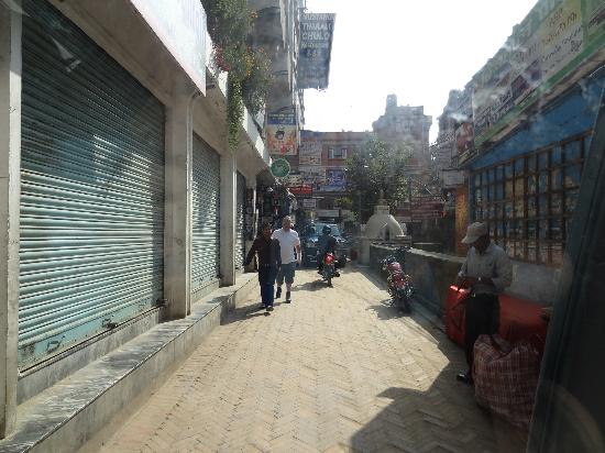 Thamel Eco Resort: Difficult to find this is a side street down to the hotel but nice quiet location