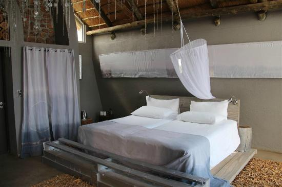 N/a'an ku se Lodge and Wildlife Sanctuary: Our Bed
