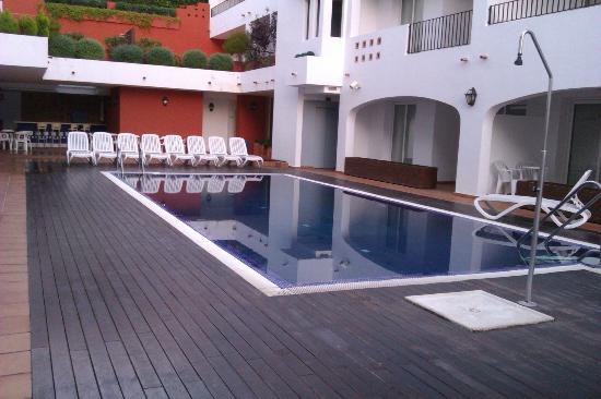 Hotel Puerto Mar: piscine