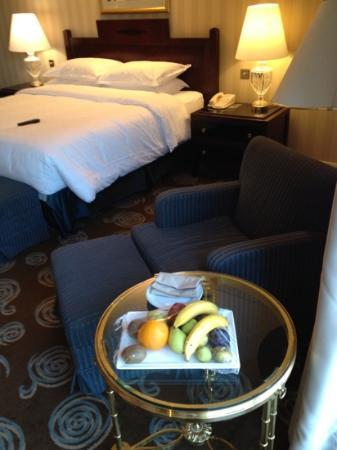 Sheraton Amman Al Nabil Hotel: fresh fruit 