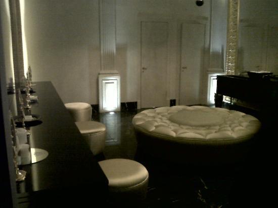 Villa dei Fiori: Most beautiful bathrooms!