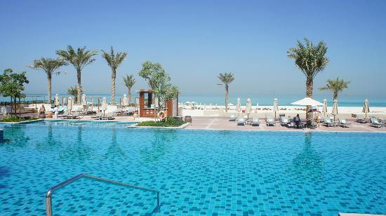 The St. Regis Saadiyat Island Resort: Hauptpool
