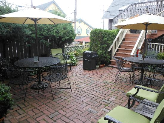 Madison Inn's courtyard