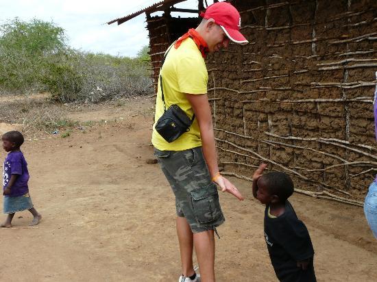 Safari Kenya Watamu - Day Tours: villaggio di bambini