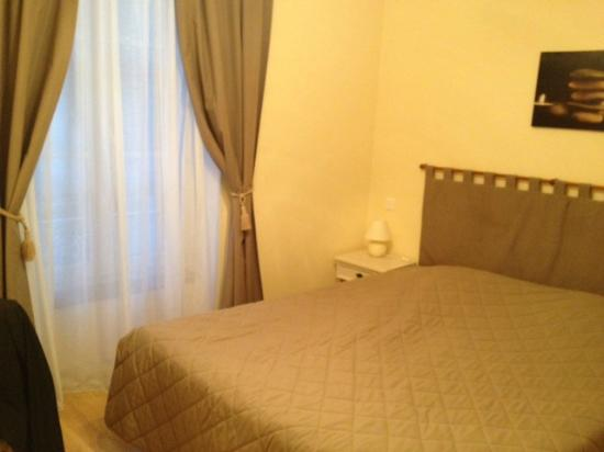 Hostellerie Le Clos du Cher : Vue chambre 2