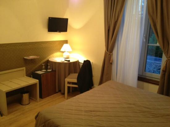 Hostellerie Le Clos du Cher : Vue chambre
